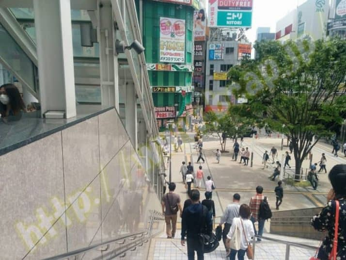 ヴィトゥレ新宿靖国通り店のアクセス方法1
